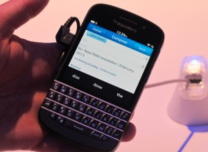 Balckberry Q10 300x219 HARGA BLACKBERRY Q10 JUNI